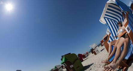 German vacationers claim victory in 'beach towel war'
