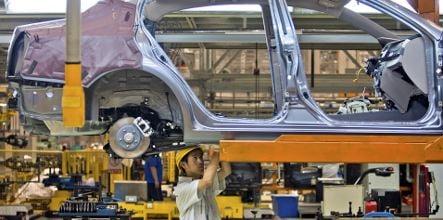 Chinese carmaker BAIC bids on Opel