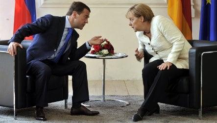 Merkel and Medvedev talk trade and rights