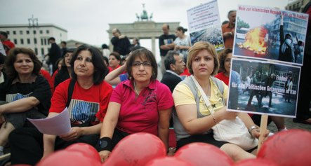 Hunger strikers in Berlin want Iranian prisoners freed