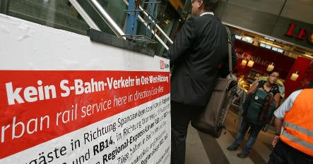 Replacement busses on S-Bahn routes pulled off road for repairs