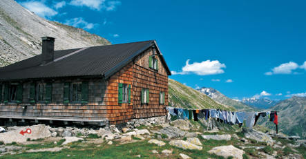 Stomach flu hits 145 hikers in Alpine huts