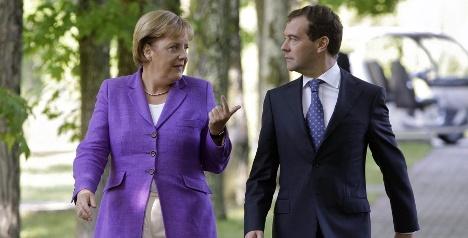 Merkel and Medvedev meet for economy talks
