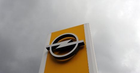 Berlin pressures GM on Opel decision