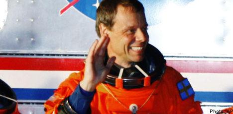 Fuglesang arrives at space station