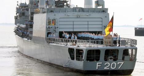 Bundeswehr ship thwarts Somalian pirates