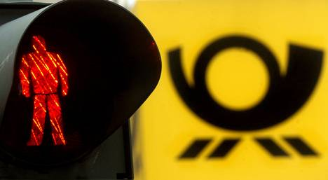 Deutsche Post to close all of its own post offices