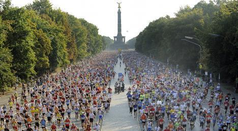 Gebrselassie wins Berlin marathon, misses world record
