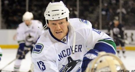 Mats Sundin: 'I'm retiring from pro hockey'