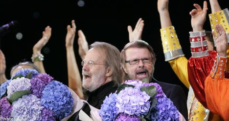 Thousands catch Abba fever in London's Hyde Park