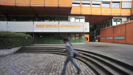 Berlin court rules in favour of Muslim prayer in school