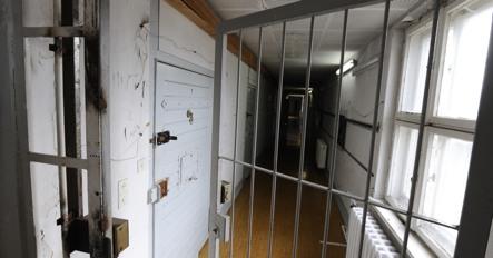 Former prisoner to re-enact Stasi jail time