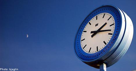 Clocks turn back to welcome winter