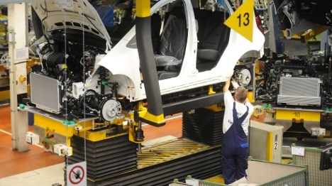 Daimler to invest billions in German plants