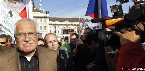 Sweden cautions Czechs over Lisbon 'opt outs'