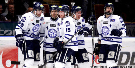 Hockey team on thin ice over swine flu queue hop