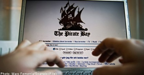 Pirate Bay on the run as hosts jump ship