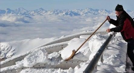 Ski season starts early on the Zugspitze