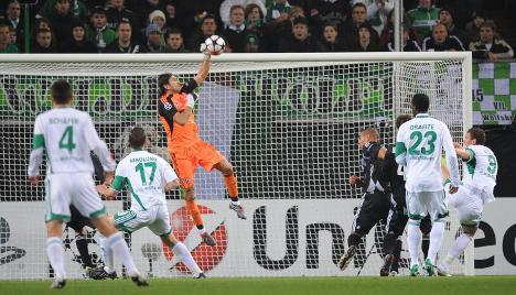 Depleted Wolfsburg held to draw against Besiktas