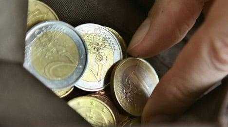 German bonds garner top rating as Greece wavers