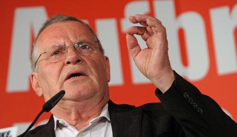 Bisky suggests Left and SPD should make up, possibly even fuse