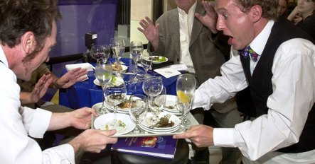 Bad service in German restaurants, new study finds