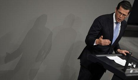 Guttenberg: air strike 'militarily inappropriate'