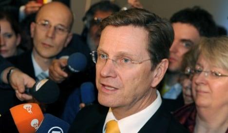 Westerwelle gives Greece verbal support in debt struggle