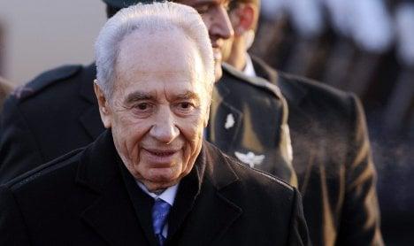 Peres begins Holocaust remembrance trip