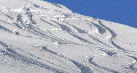 Teen skiers die in cliff fall