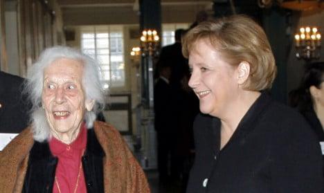 Nazi resistance widow Moltke dies at 98