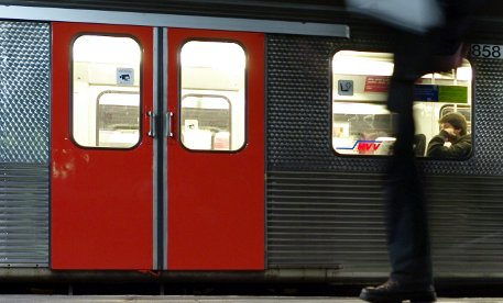 Teens beat man with club in Munich S-Bahn