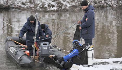 Female body parts found under Hannover bridge