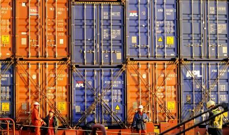 Economy shrivels five percent in 2009