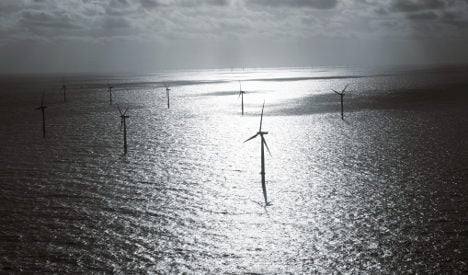 German firms to build giant British offshore wind farms