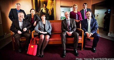 Bag lady Sahlin photo stirs moral debate