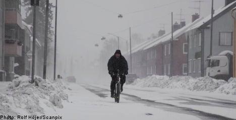 Snowstorms hit traffic and preschool kids