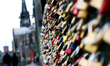 Folklorists baffled over 'love locks' in Cologne