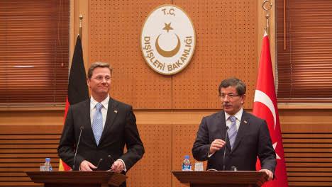 Westerwelle urges Turkey to pursue EU reforms