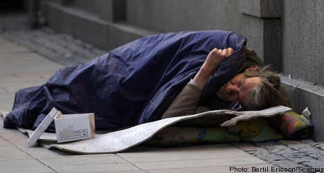 Homeless need more help: Health minister