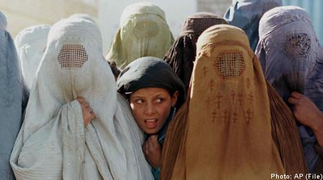 Reinfeldt: no burqa ban in Sweden