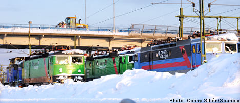 Swedish army called in to clear rail tracks