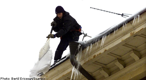 Warmer winds carry falling ice warning