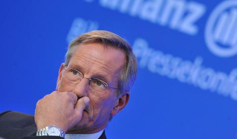 Allianz cautious despite solid profit for 2009