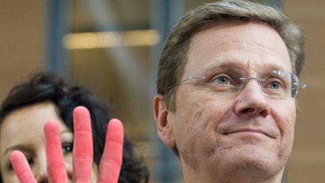 Westerwelle removes gloves in welfare debate