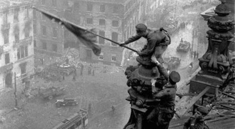 Soviet soldier in famous Reichstag photo dies