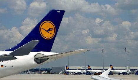 Lufthansa pilots to strike