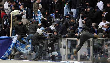 Hertha fans riot at loss, Bayern regains Liga lead