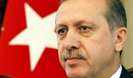 Erdogan urges German Turks not to integrate