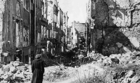 Official report: Dresden bombing killed 25,000